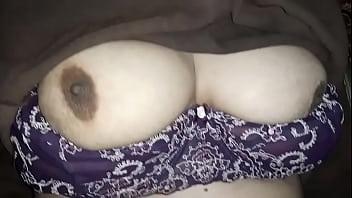 Таксист пикапер разыгрывает девушек на секс